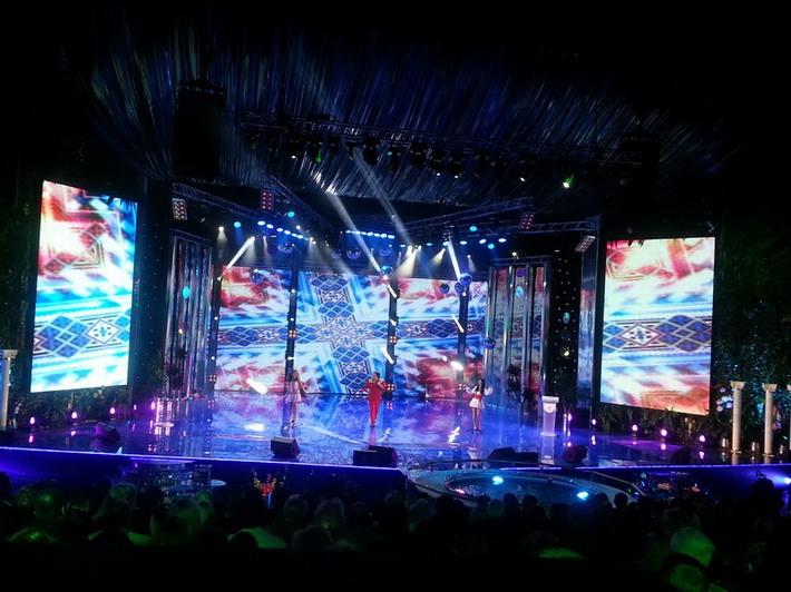 Оформление сцены - cветодиодная сетка